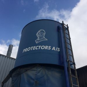 Reklame for Protectors A/S lavet af skiltehus.dk